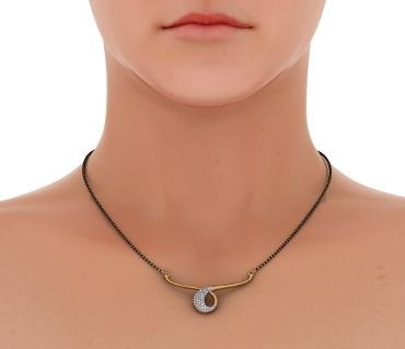 Small diamond studded shortmangalsutra