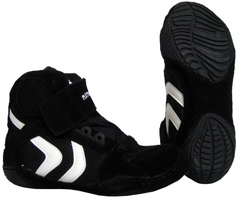 Split sole wrestling shoes