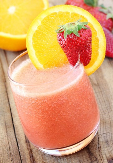Strawberry and Orange smoothie for burning belly fat