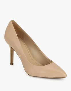 The beige coloured womenstilletoes -7