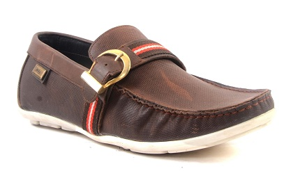 The casual leather men shoes