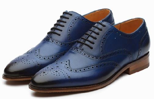 The hole designed men shoes