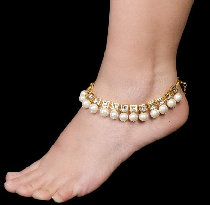 Traditional Kundan and Pearl Anklets