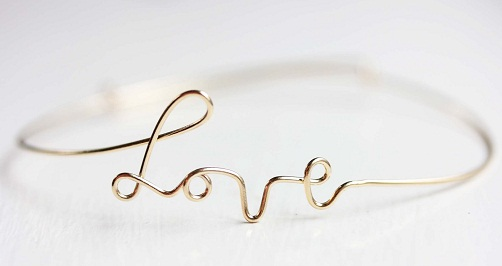Type Wire Love Bracelet