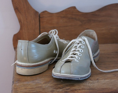 Vintage leather bowling shoes for men