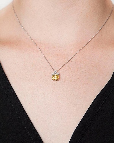 Vintage yellow sapphire gemstone pendant necklace