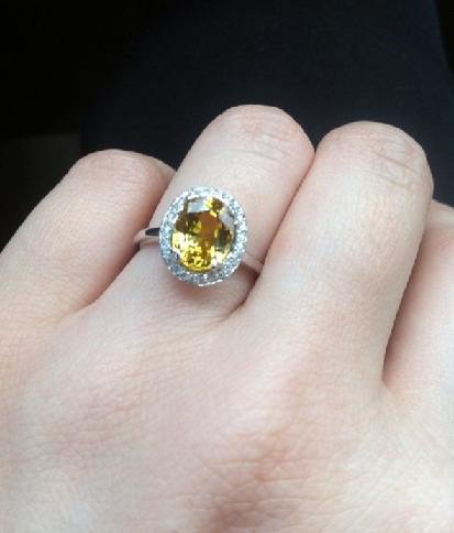 Yellow sapphire gemstone wedding ring