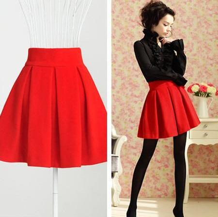 Red Winter Pleated Mini Skirt