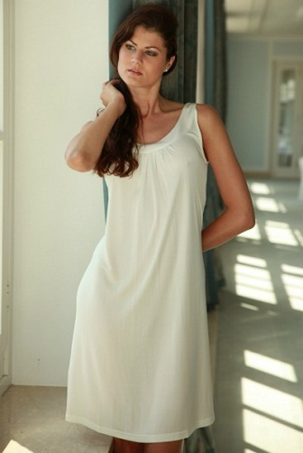 Round Collar Sleeveless Nighty