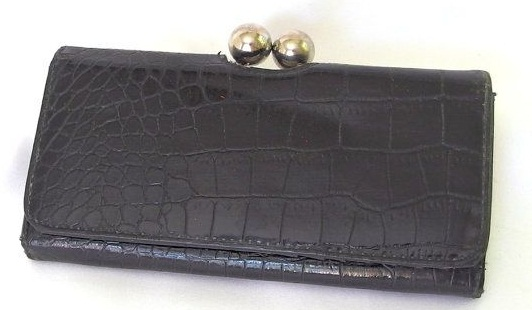Vintage Black Wallet with Clasp for Women