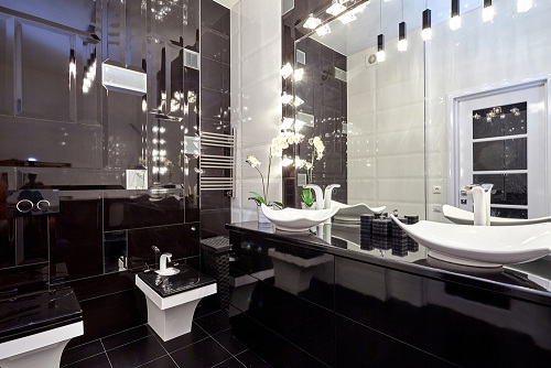 Luxury Bathrooms With Black and White Designs