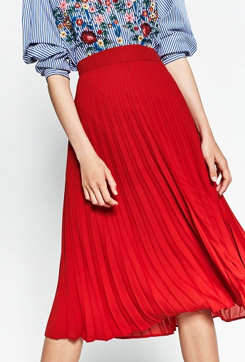 Ladies Pleated Red Midi Skirt3