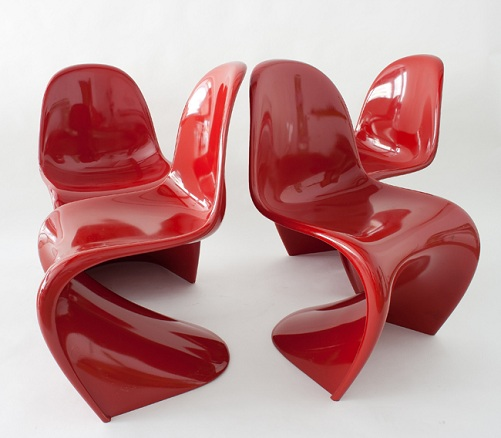 Molded Glossy Plastic Chair
