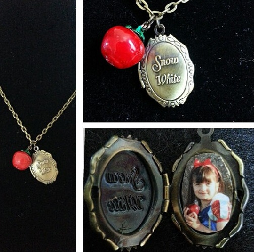 Souvenir' Locket Necklace