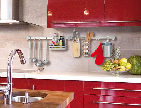 Wall-Mounted Kitchen Décor
