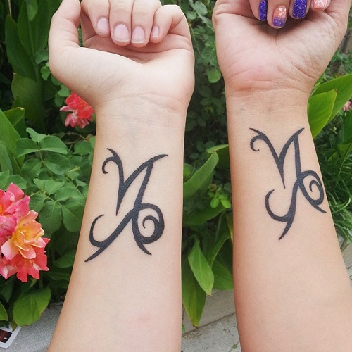 15 Heart Touching Mother Daughter Tattoos - Artistic Mother Daughter Tattoo Design