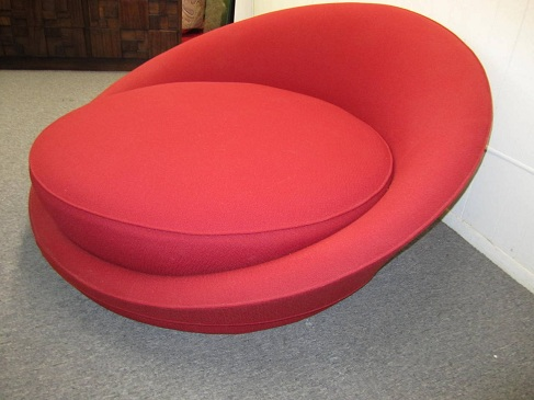 Round Lounge Chairs