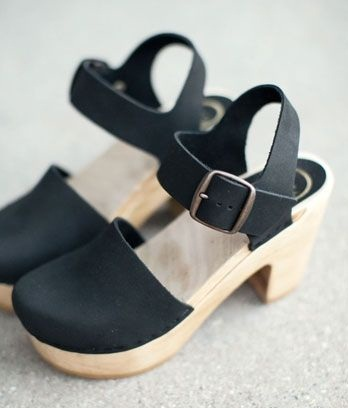 Close toe Wooden Sandal for Women
