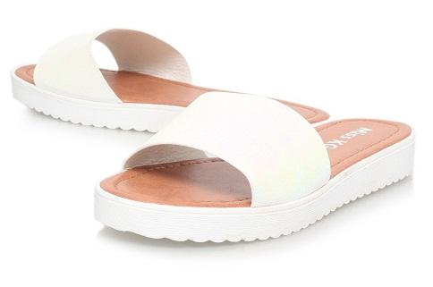Flat Slip-on Sandal Design for Both Men and Women