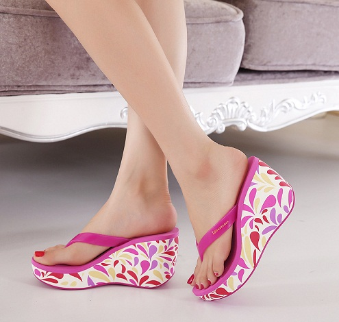Pattern Making Rubber Sandal for Ladies