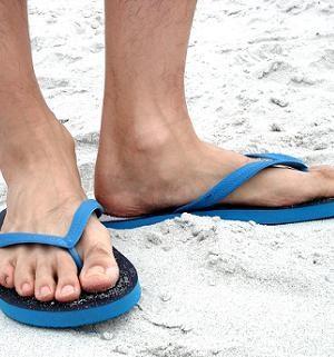 Mens Rubber Flip Flops in Rubber Pattern
