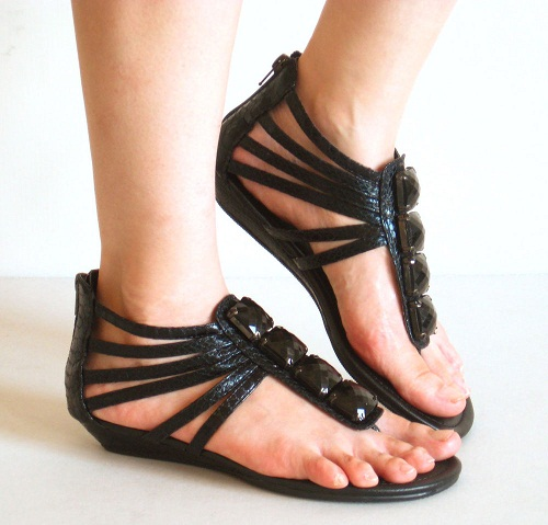 Thongs Sandals in Straps