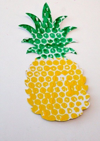 Bubble Wrap Pineapple as a Craft