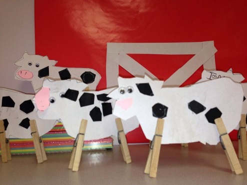 Clothes Pin Cows Craft