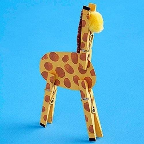 Clothes Pin Giraffe