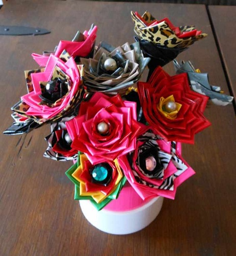 Crafting Flowers Is Another Creative Girl Craft Which Is Done In Many Ways.  You Can Have Paper Flowers Or Cloth Flowers. These Arts And Crafts Are ...