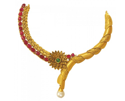 Floral Pattern Gold Necklace