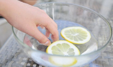 What To Use To Remove Nail Polish - Lemon Juice and Vinegar Mix