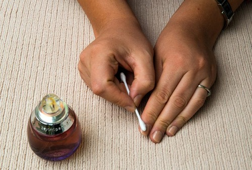 How To Remove Nail Polish - Perfume