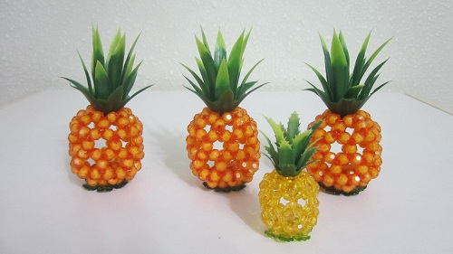 The Sitting Pineapples Are A Beautiful Way To Explain Them Made By Beads Of Various
