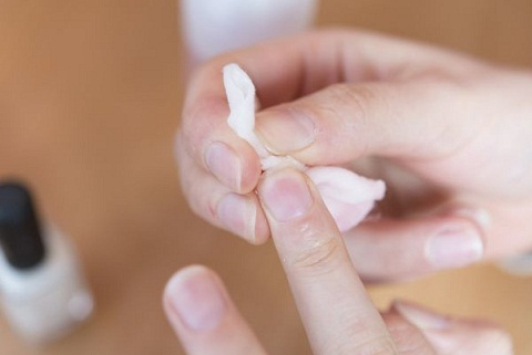 Use of Alcohol Best Way To Remove Nail Polish