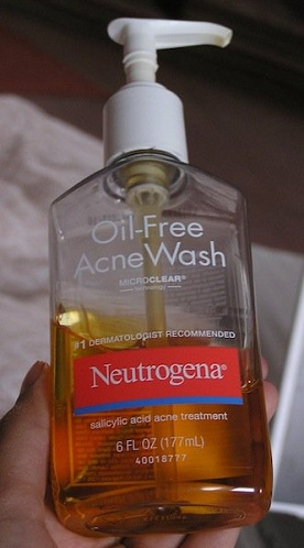antibacterial face wash