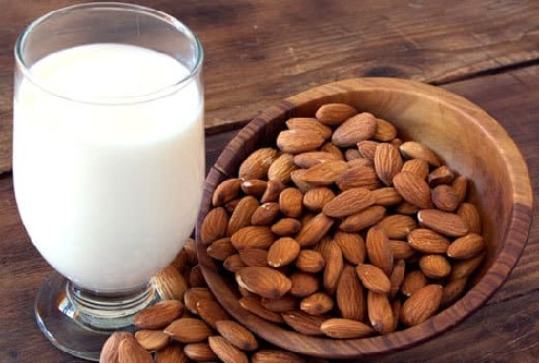 Almonds to Reduce Dark Circles