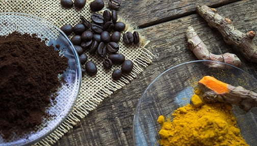 Coffee and Turmeric Face Pack
