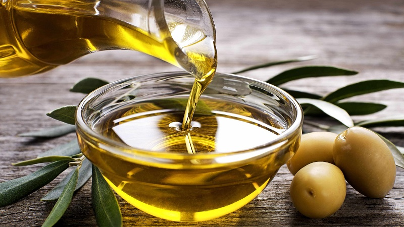 How To Use Olive Oil for Dark Circles Around Eyes