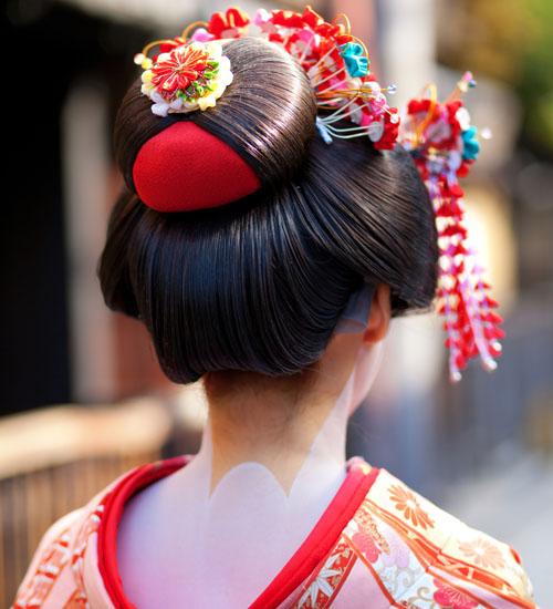 Japanese Hair Bun with Kimono