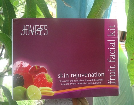 Jovees Skin Rejuvenation Fruit Facial Kit