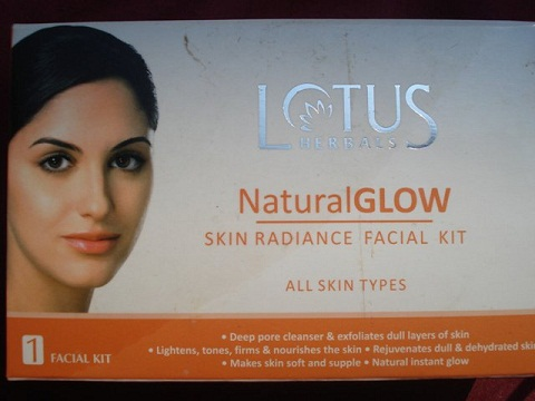 Lotus Herbal Skin Radiance Facial Kit