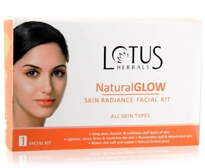 Lotus Herbals Natural Glow and Skin Radiance Facial Kit