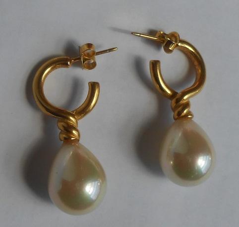Pearl Gold Earrings Design in 2 gm