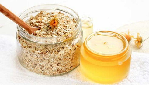Rice Flour, Honey and Oats Face Pack