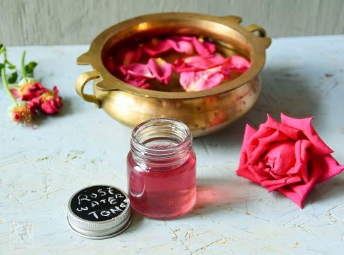 rosewater for dark circles