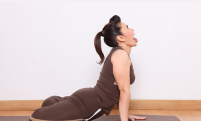 simhasana yoga lion pose  how to do steps and its
