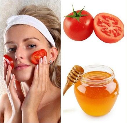 Tea Tree Oil, Jojoba Oil and Tomato Face Pack
