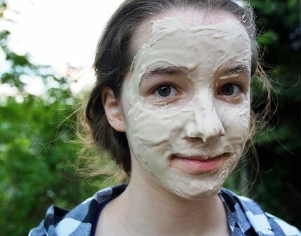 Egg white, Honey and Fullers Earth/Flour Skin Tightening Face Pack