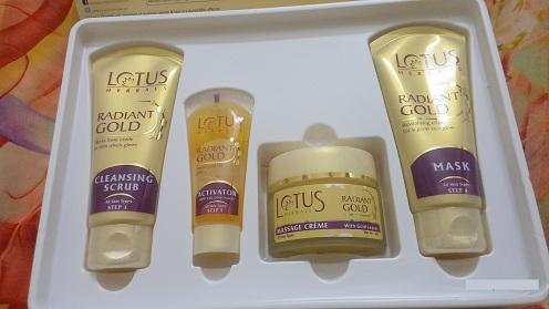 Lotus Herbal Gold Radiance Cellular Glow Facial Kit